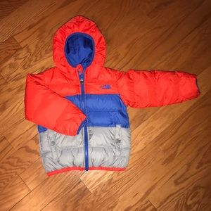 The North Face Kids toddler boy puffer coat 4t